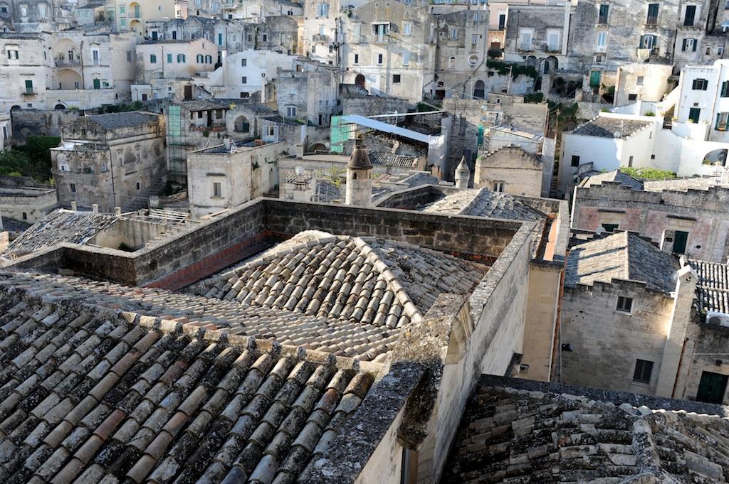 Blick auf Höhlenwohnungen und Sassi von Matera.