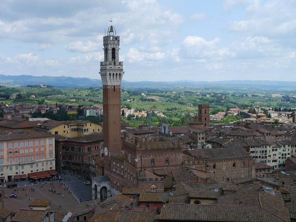 Rathaus Turm von Siena.