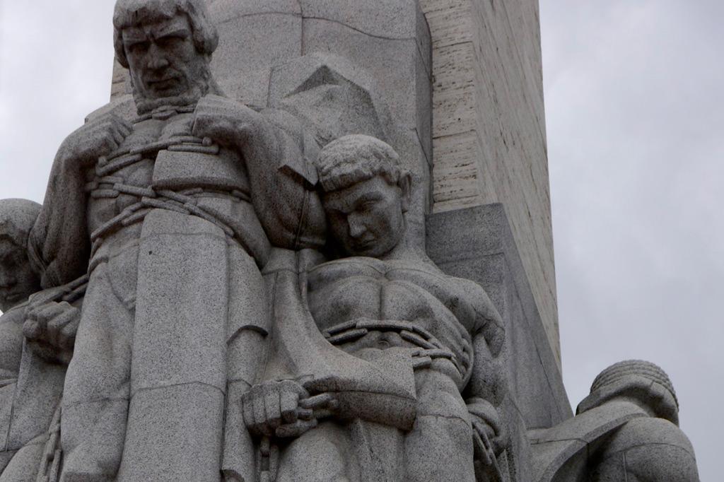 Detail aus dem Friedensdenkmal in Riga, Lettland