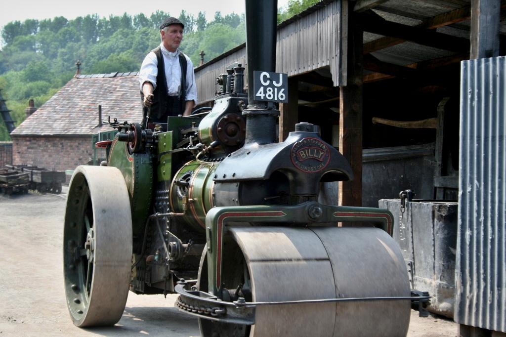 Ironbridge Gorge, Historische Dampfwalze im Freilichtmuseum Blists Hill