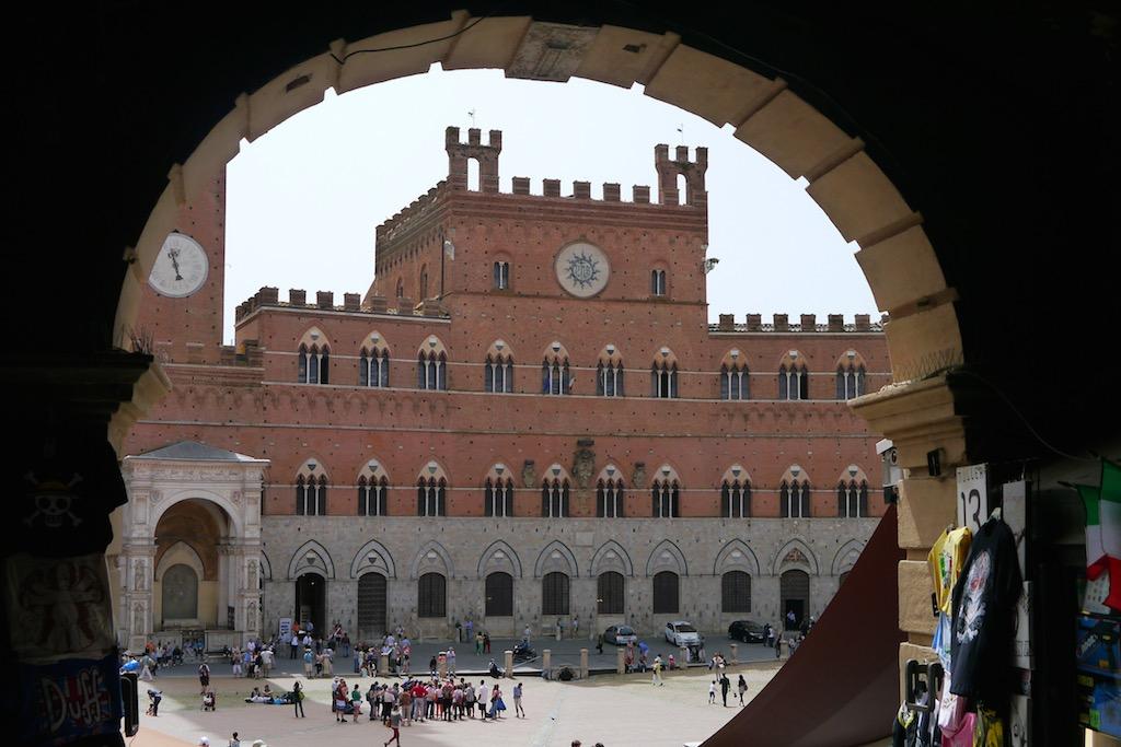 Siena Palazzo Publico an der Piazza der Campo