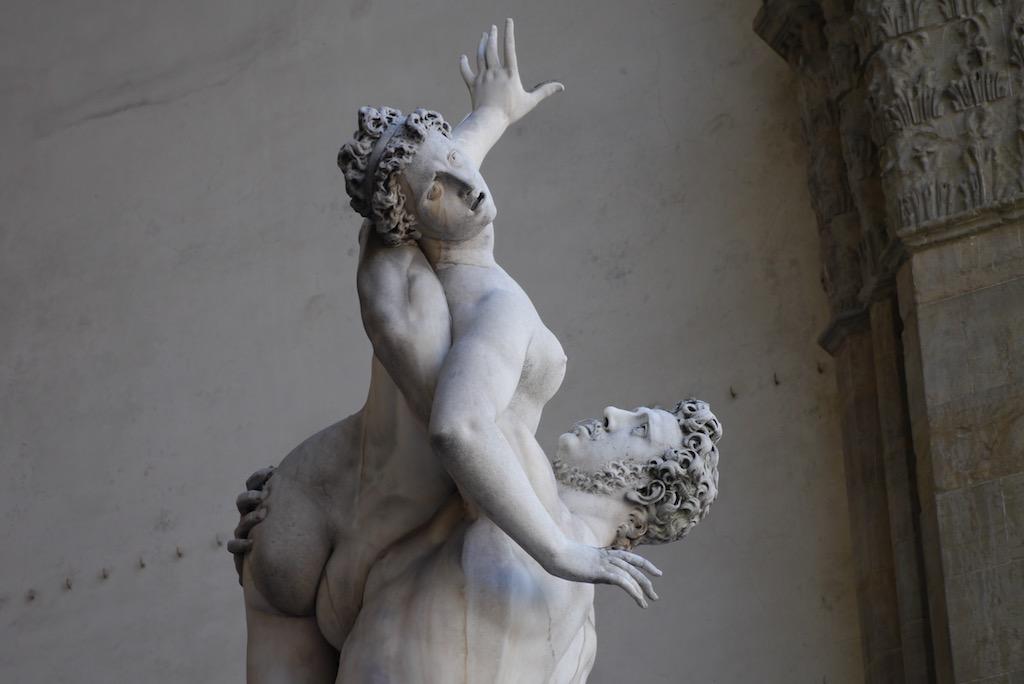 Raub der Sabinerin von Giambologna an der Piazza della Signoria.