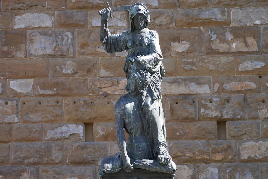 Judith und Holofernes von Donatello am Palazzo Vecchio.
