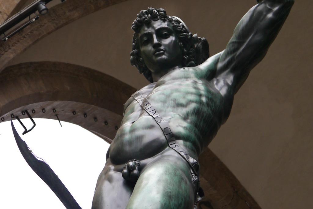 Perseus von Benvenuto Cellini an der Piazza della Signoria.