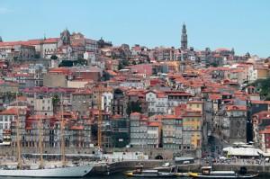 Porto, Blick auf die Altstadt mit dem Torre dos Clérigos