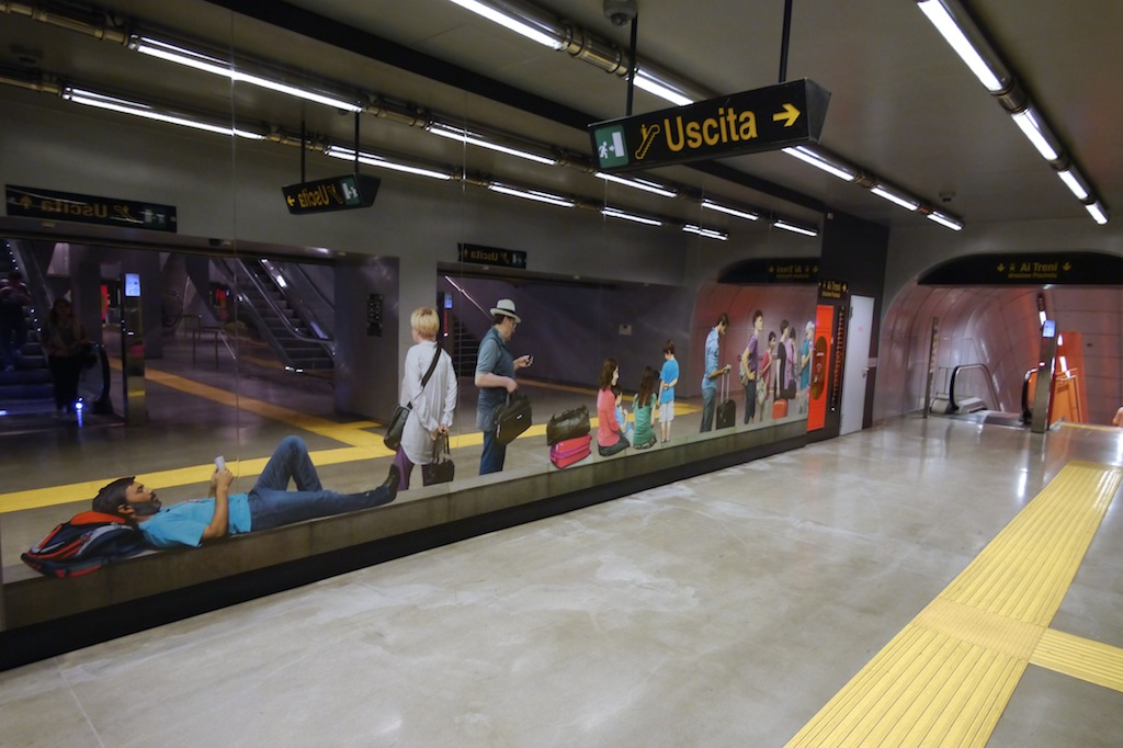 Stazione, Kunstwerk von Michelangelo Pistoletto.