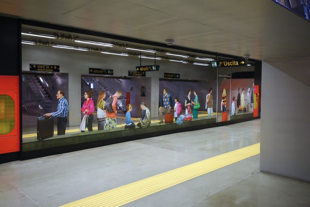 Stazione, Kunstwerk von Michelangelo Pistoletto für die Metro dell Arte.