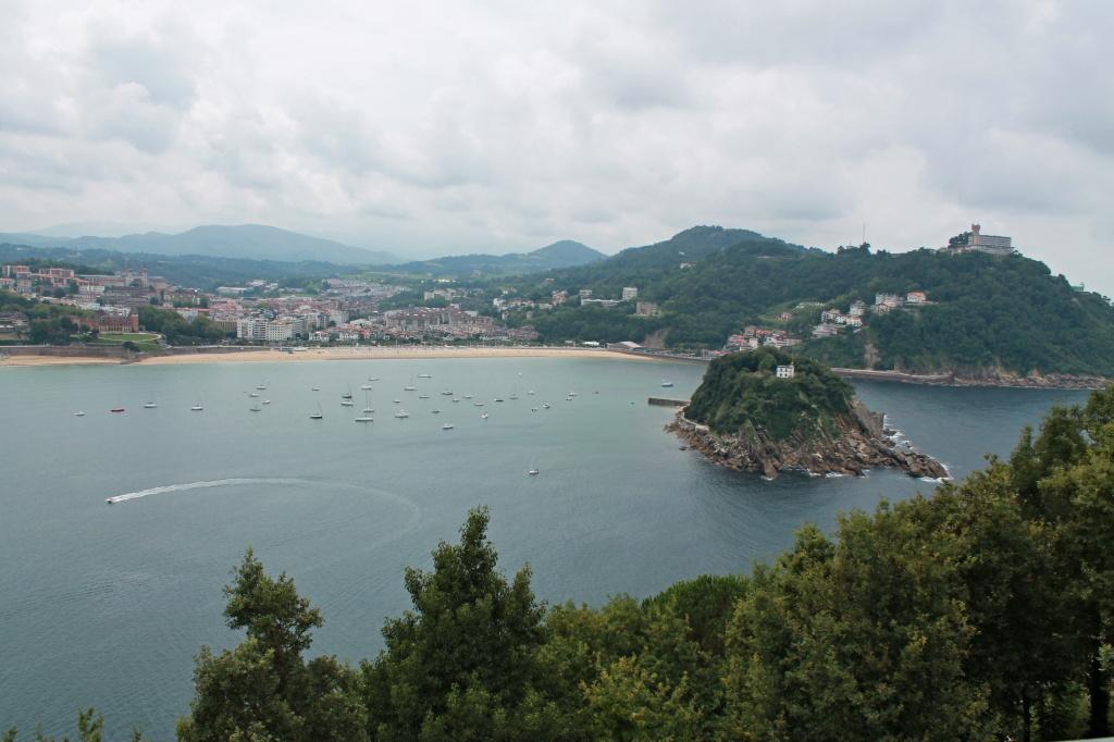 San Sebastian, La Concha mit Isla de Santa Clara