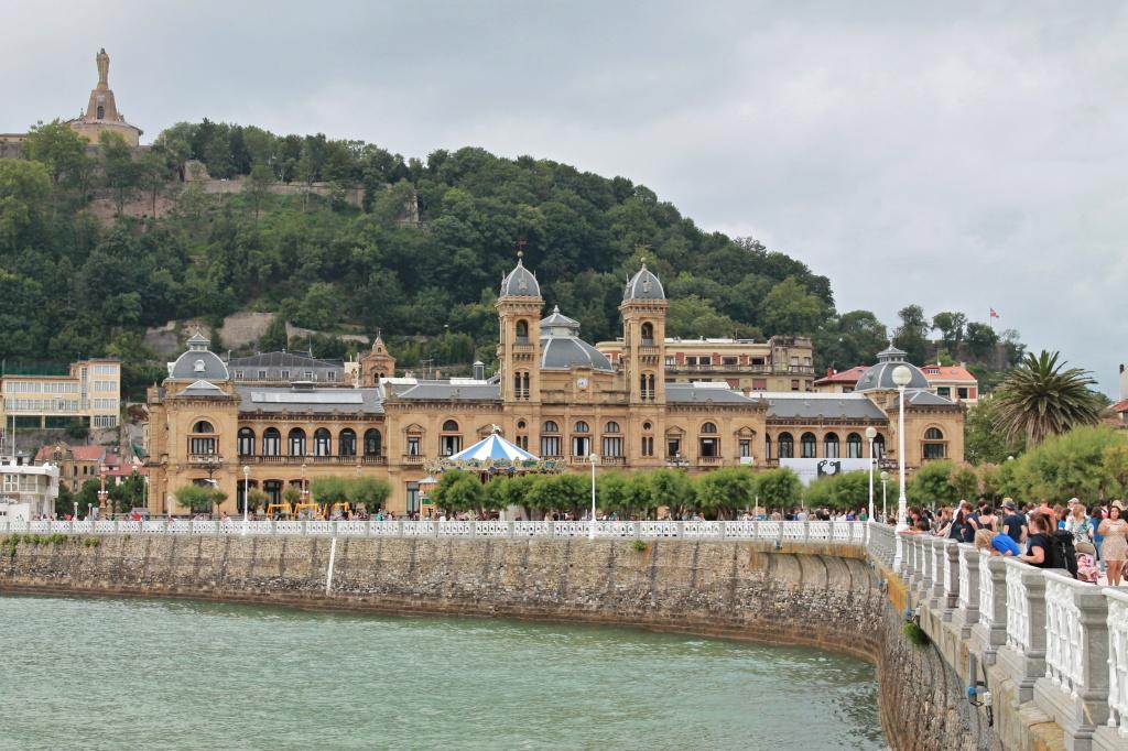 San Sebastian, Rathaus an der Strandpromenade