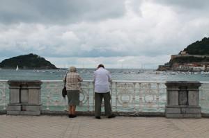 San Sebastian, Blick auf die Isla de Santa Clara von der Strandpromenade