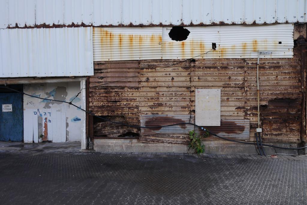 Fassade eines Lagerhaus im Hafen von Jaffa