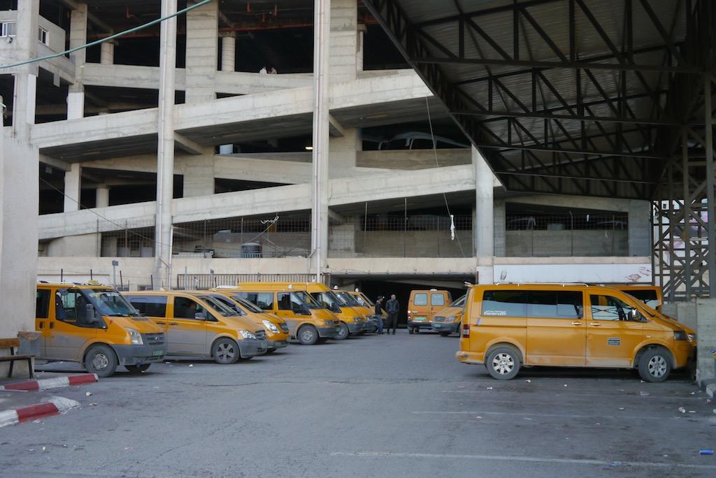 Busbahnhof Bethlehem hier warten die Busse nach Jericho.