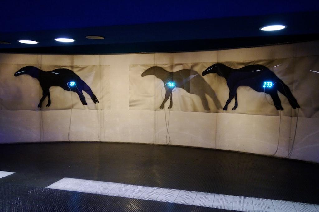 neapels kunst metro teil 2 sirenen heuler. Black Bedroom Furniture Sets. Home Design Ideas