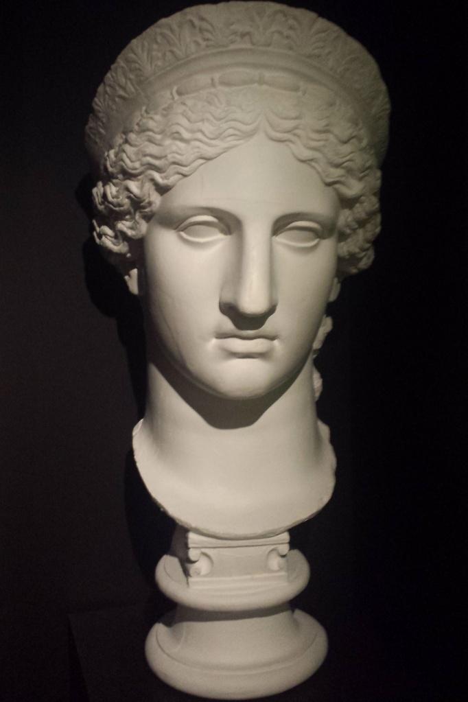 Antike Skulpturen, hier die Juno, ...