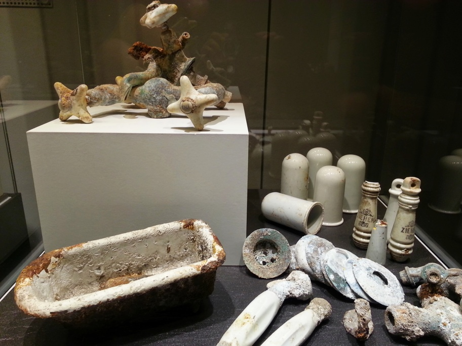 Bombenschutt im Museum.