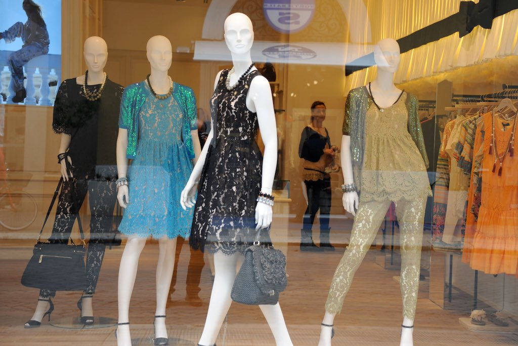 Schaufenster in der Via Sparano