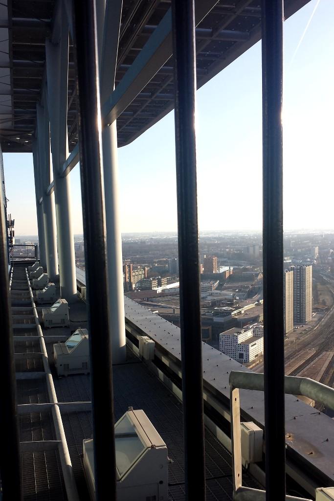 DenHaag_HaagseToren_oben_außen