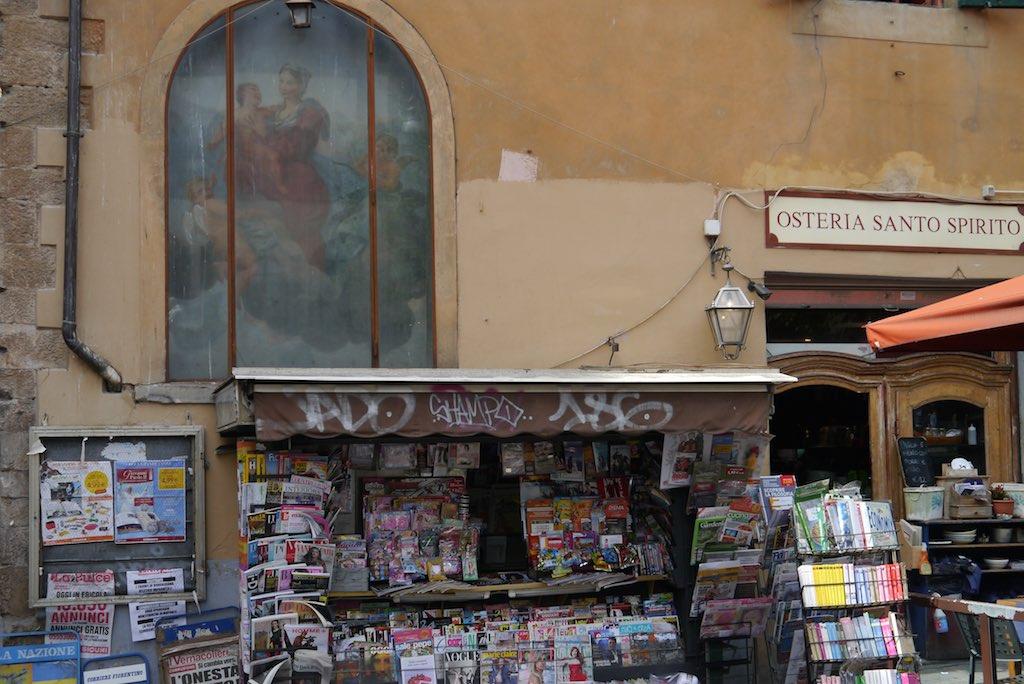 Zeitungskiosk au der Piazza di Santo Spirito
