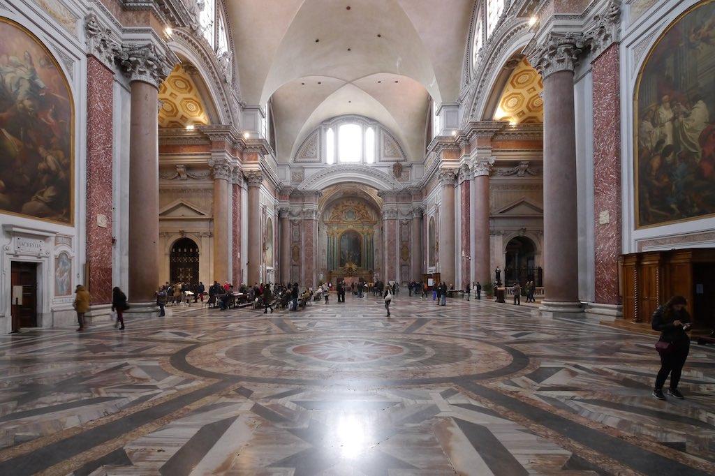 Innenraum der Kirche Santa Maria degli Angeli