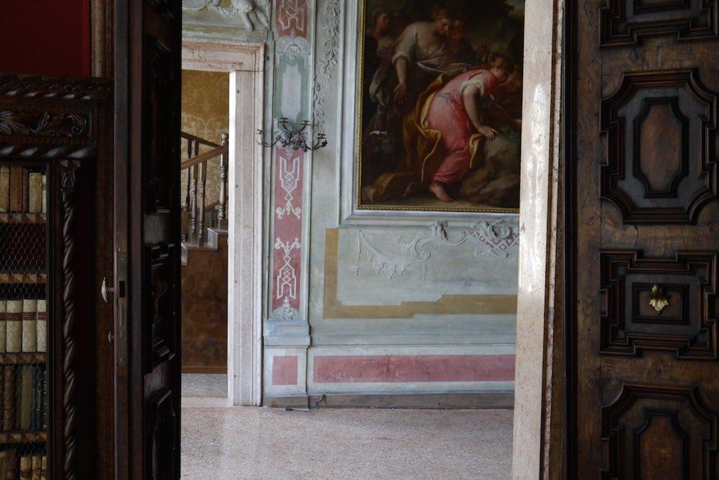 Palazzo Barbaro Blick aus der Bibliothek in den großen Saal