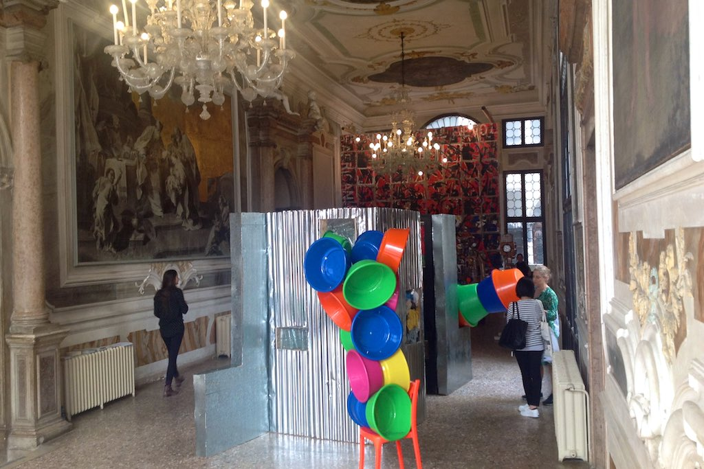 Palazzo Pisani. Der große Saal ist der Biennale Pavillon für die Republik Angola