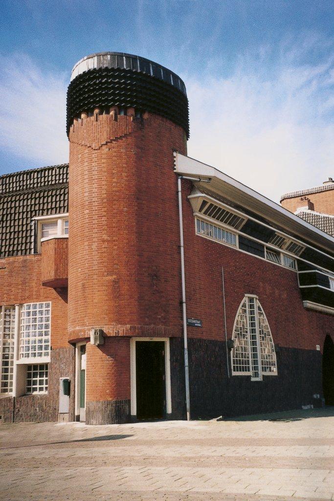 Amsterdam_HetSchip_Außensicht_Turm