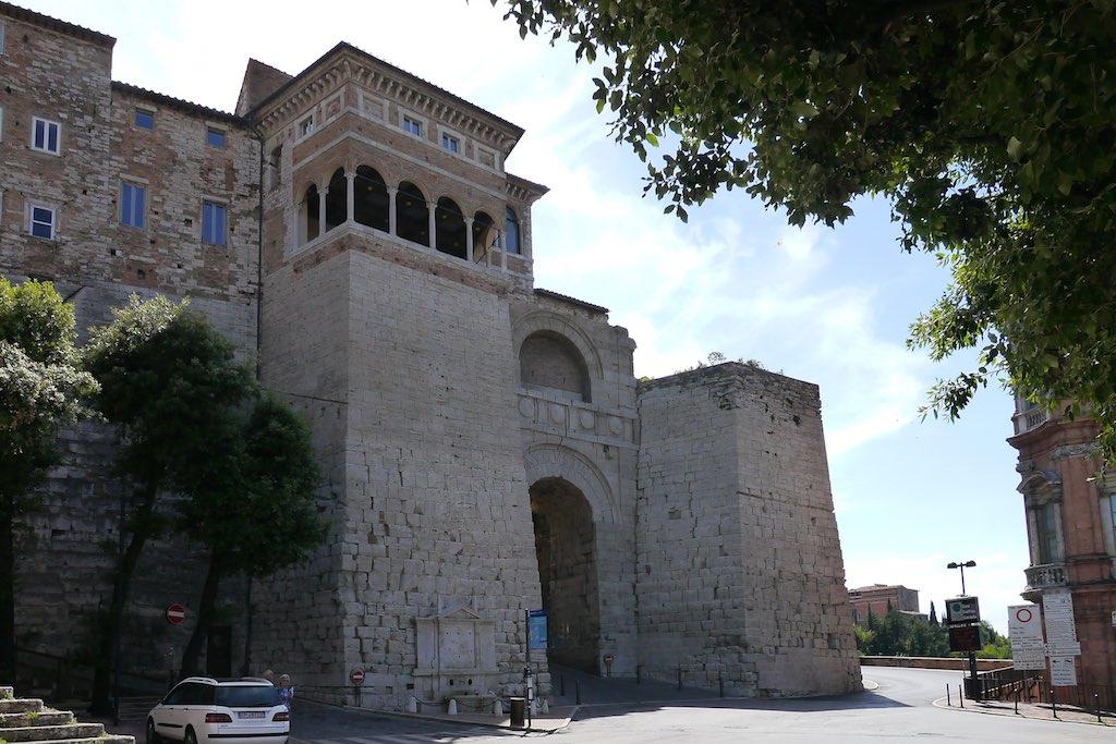 Das etruskische Stadttor von Perugia