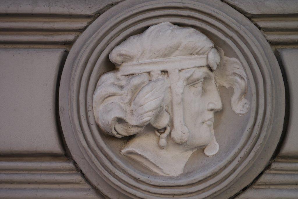 relief von Michael Eisenstein.