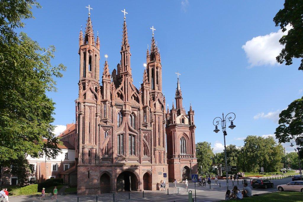 Die gorische Fassade der Annen Kriche in Vilnius