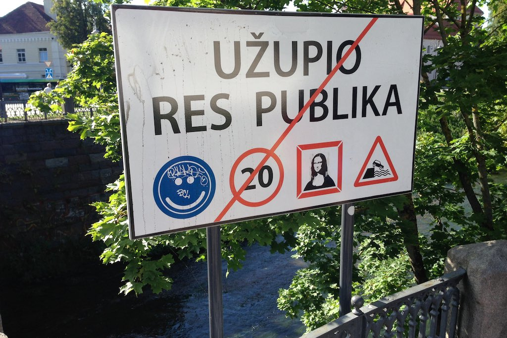 Grenzschlid der Republik von Užupis mitten in Vilnius