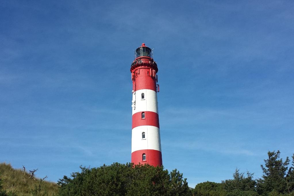 amrum-leuchtturm-gesamtansicht-querformal