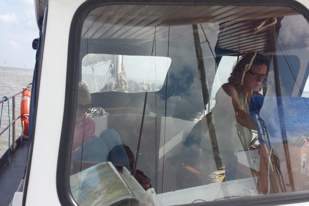 segeln-kuchenbude-überdacht_-kipper-ruder