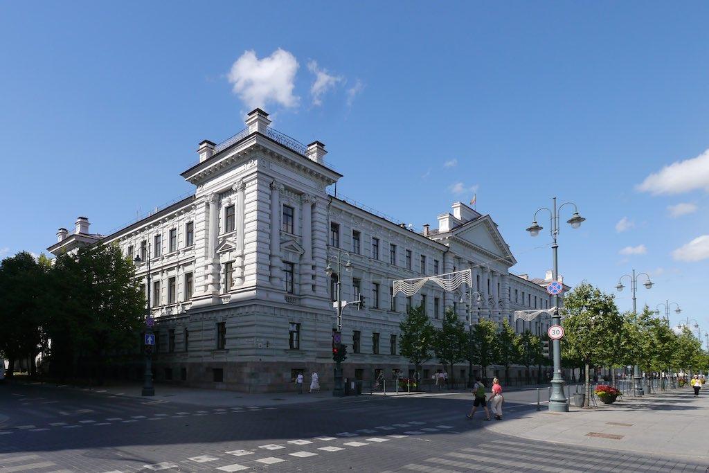 Das ehemalige KGB Haus am Gediminas Boulevard in Vilnius