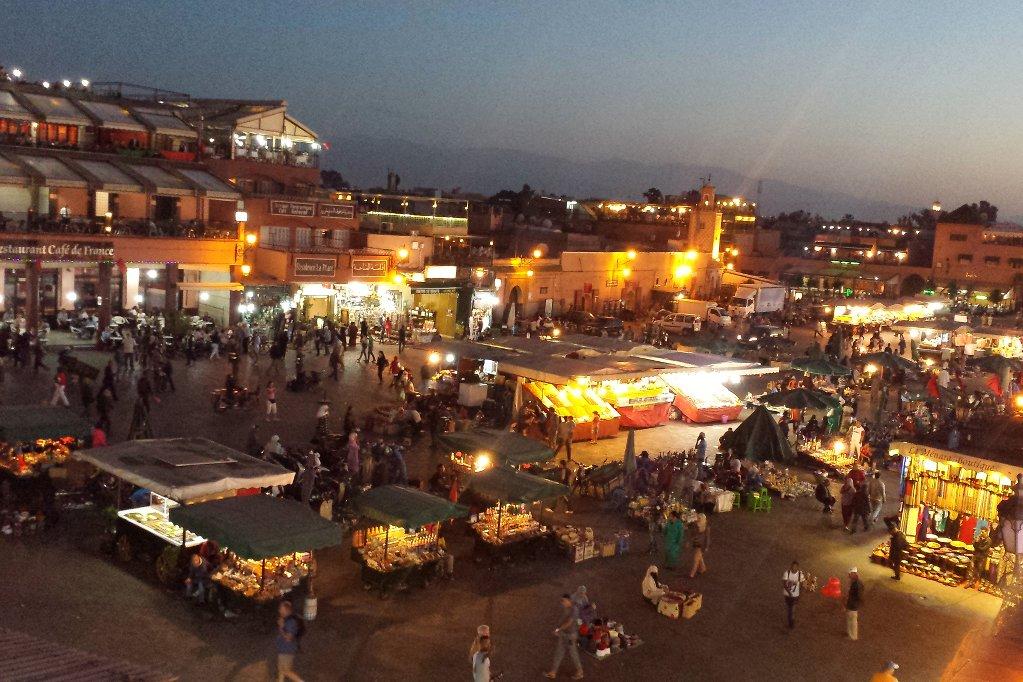marrakesch-djemaa-el-fna-abendstimmung