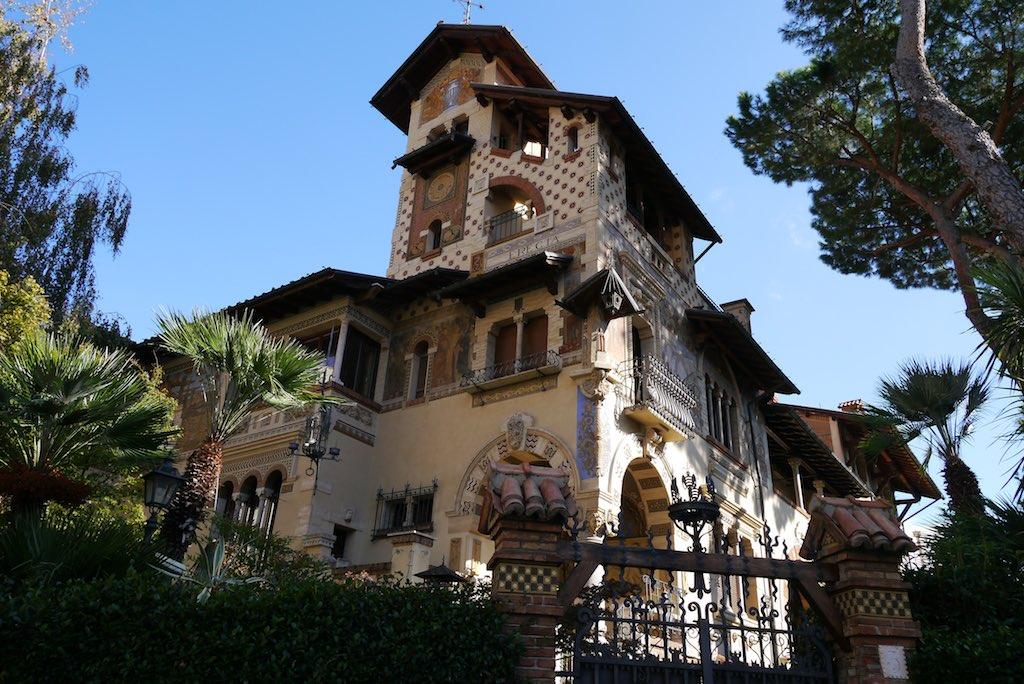 Feen-Häuschen im Quartiere Coppedè