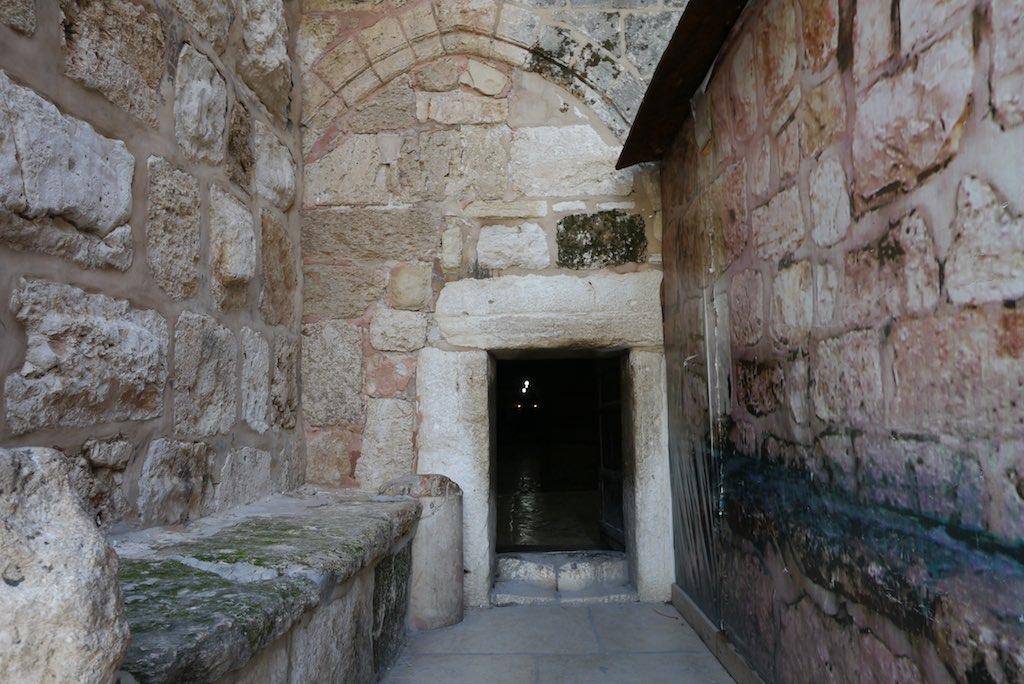 Eingang in die Geburtskirche in Bethlehem.