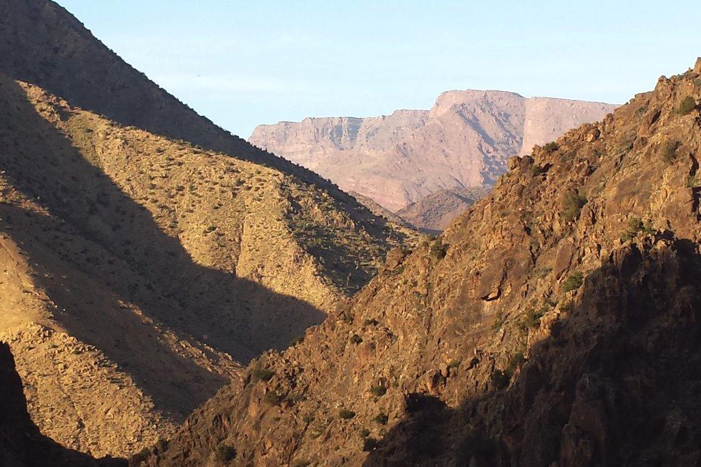 marokko-atlas-gebirge-nachmittagssonne