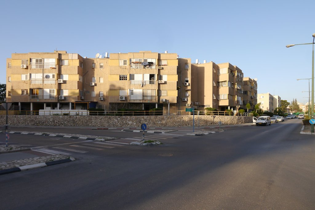 Wohnblock aus den frühen 60er Jahren in Beer Sheva