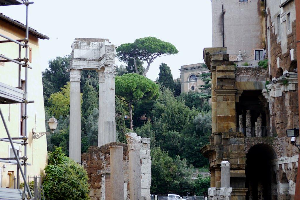 Blick vom Ghetto auf das Kapitol in Rom.
