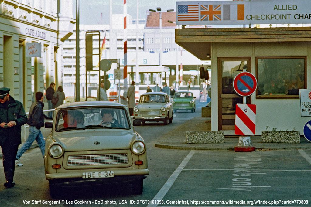 Reisefreiheit: Grenzübergang Checkpoint Charlie am 14. November 1989