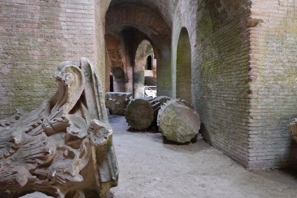 Gewölbe im Amphitheater in Pozzuoli.