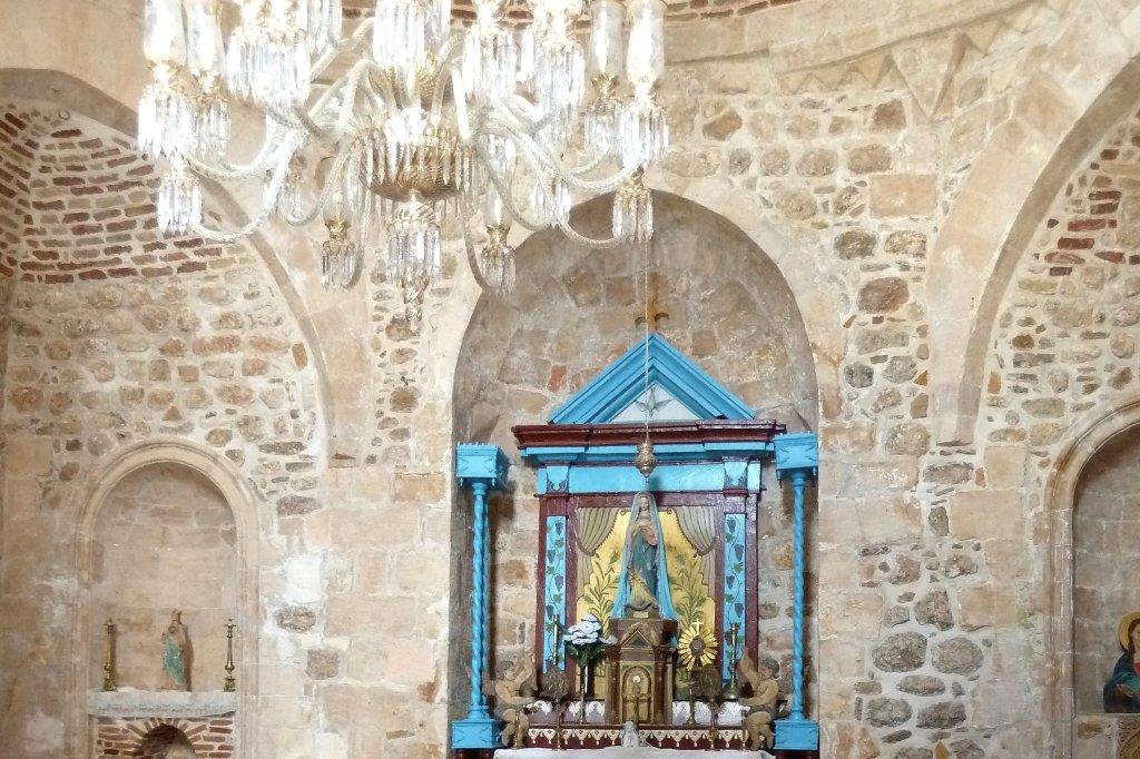 Innenraum einer der wenigen zugänglichen armenischen Kirchen in Mardin.