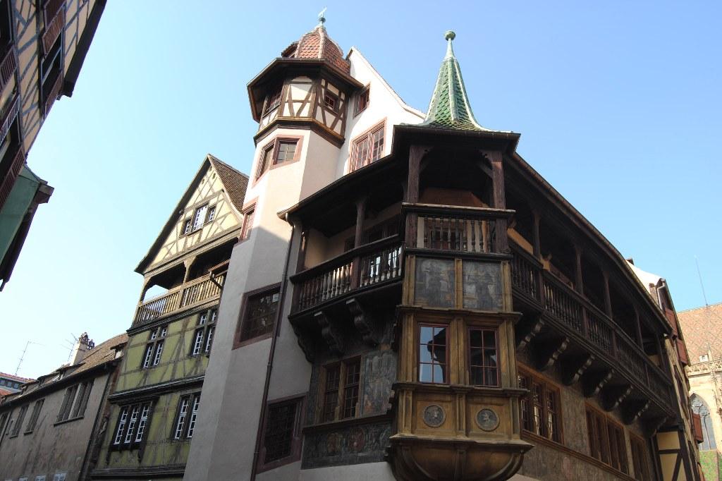 colmar-architektur-eckhaus-butzenscheiben