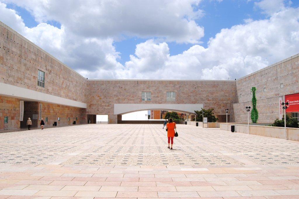 portugal-lissabon-museum-modern-art
