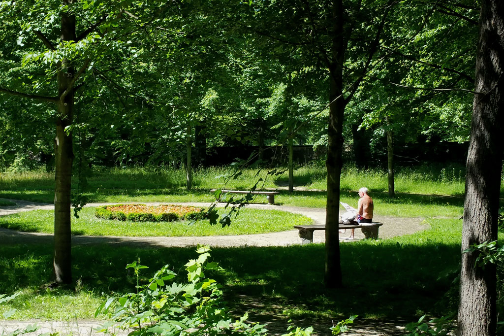Summer in the City: Luftiges Plätzchen im Park der Dresdener Elbschlösser