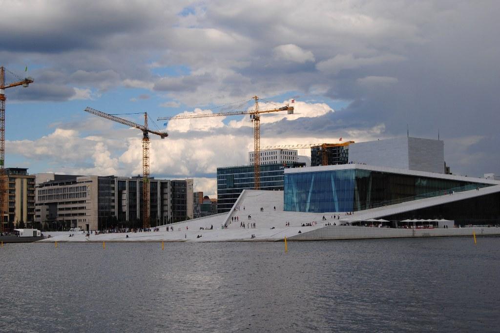 Das große Bauen an Oslos Hafen geht weiter. Bis 2019 sollen hier das neue MunchMuseum und eine neue National Bibliothek zu bewundern sein.