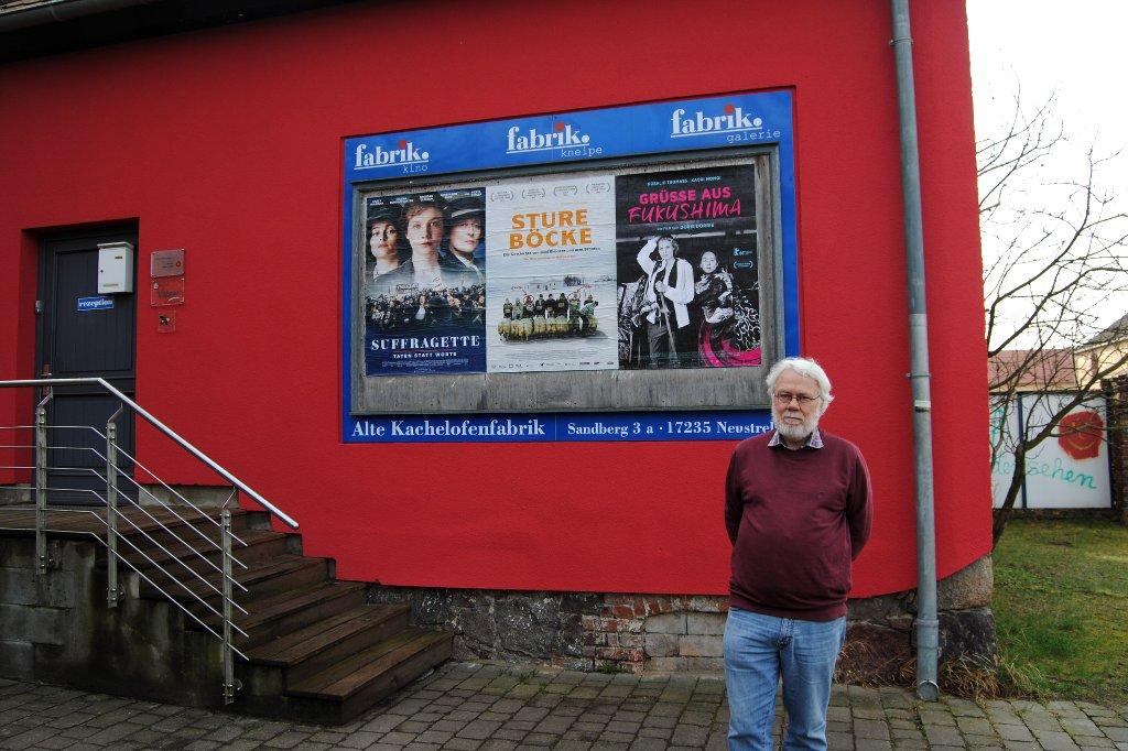 Ein Mann und sein Kino. Hans Conradt vor seiner KOF.