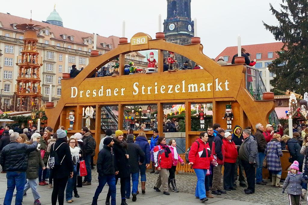 Weihnachten mit Trump: Glühwein, Geschenke, Lebkuchen, Gemütlichkeit… Weihnachtsmärkte made in Germany