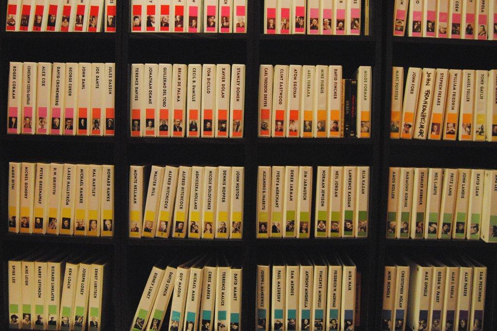 DVD Sammlung im Videodrom in Kreuzberg.