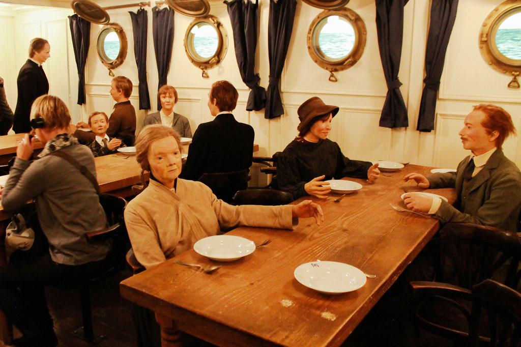 Wir Auswanderer: Gar kein Vergleich zu den armseligen Bedingungen des 19. Jahrhunderts: der Speisesaal auf der Columbus.